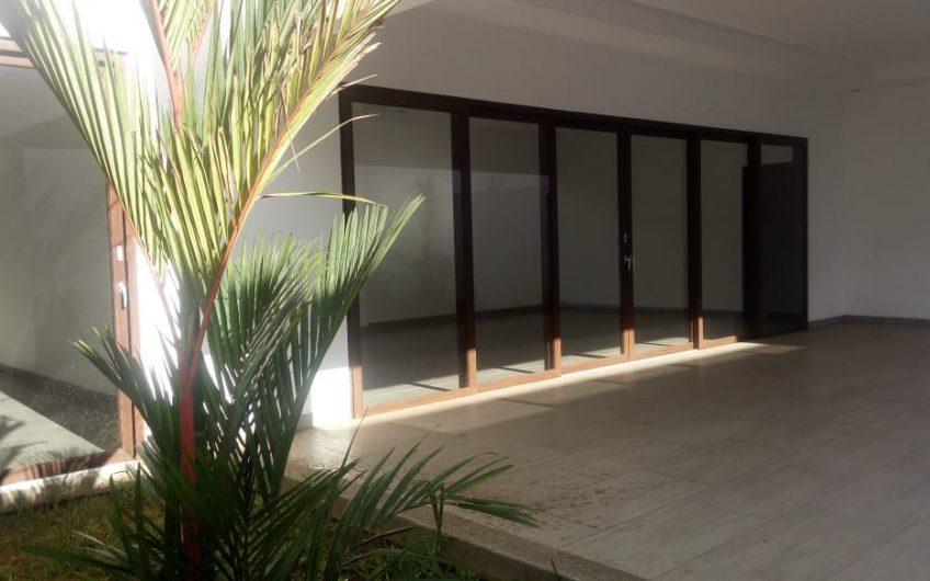 Renta de casa en Condominio Santa Lucia Managua