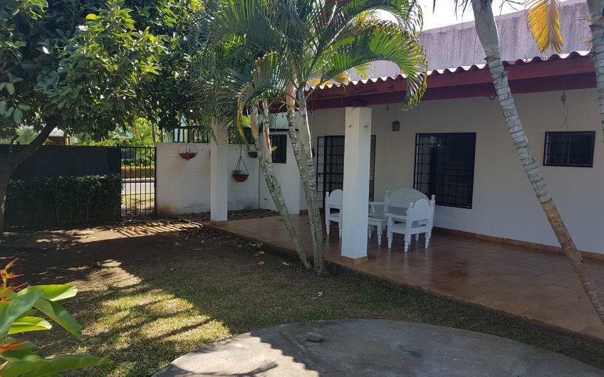 Renta casa en  km 14 entrada a Ticuantepe