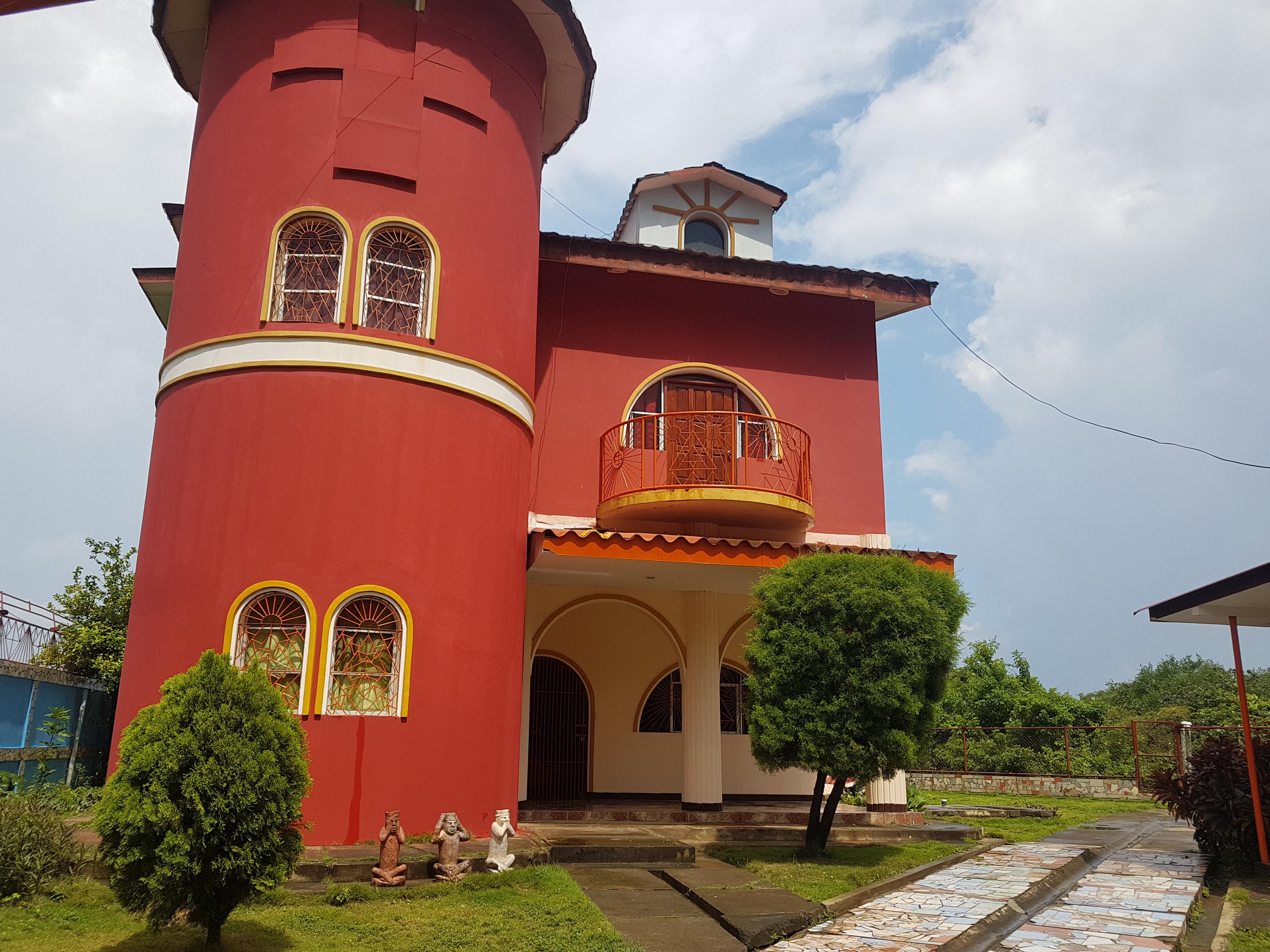 Renta o Venta Casa El Castillo en Carretera Sur con Vista a Toda Managua