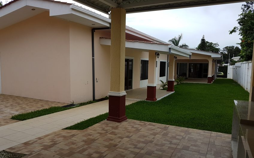 Casa grande en renta Ticuantepe km 15 Ganga Ganga!!!!
