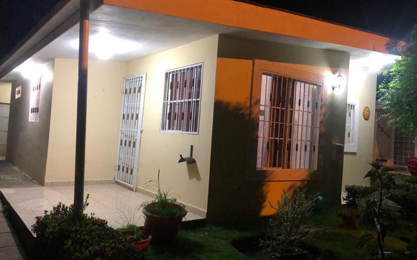 OPORTUNIDAD DE RENTA CASA AMUEBLADA EN UN RESIDENCIAL EXCLUSIVO EN CARRETERA VERACRUZ