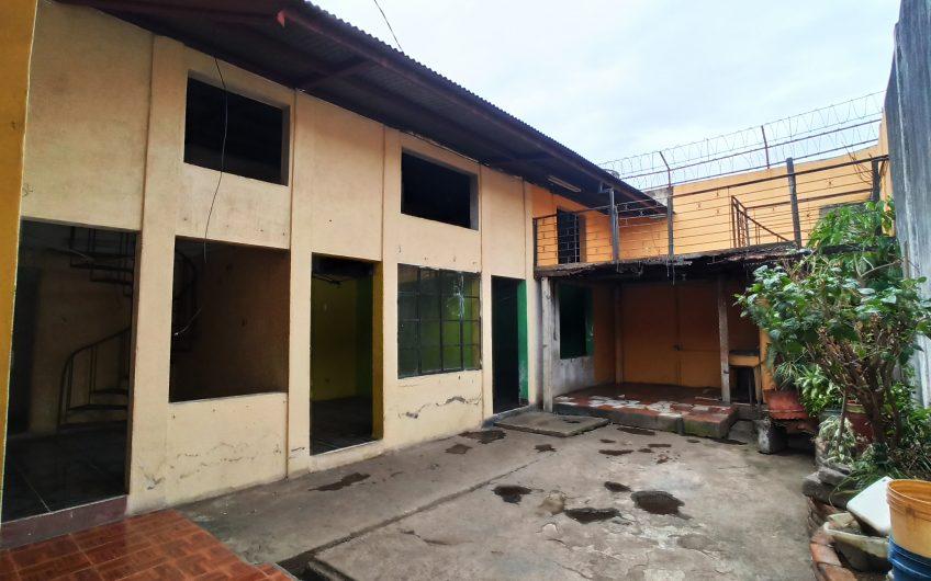 Casas para remodelación en zona Comercial,