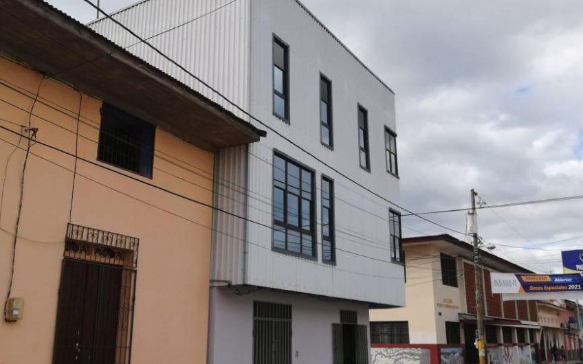 Venta de Edificio de 3 Niveles en Zona Central de Masaya