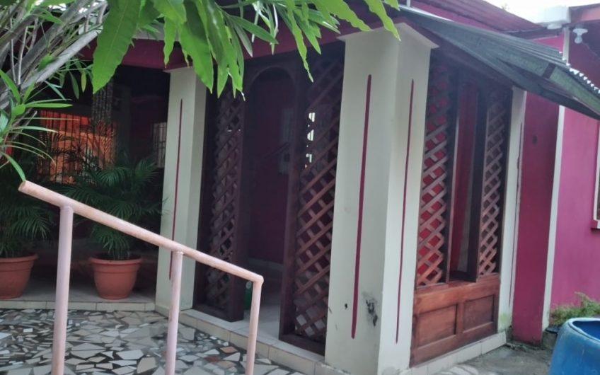 Se vende Casa en centro turístico  Pochomil