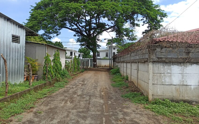 Renta de Amplio Apartamento en sector de Las Colinas