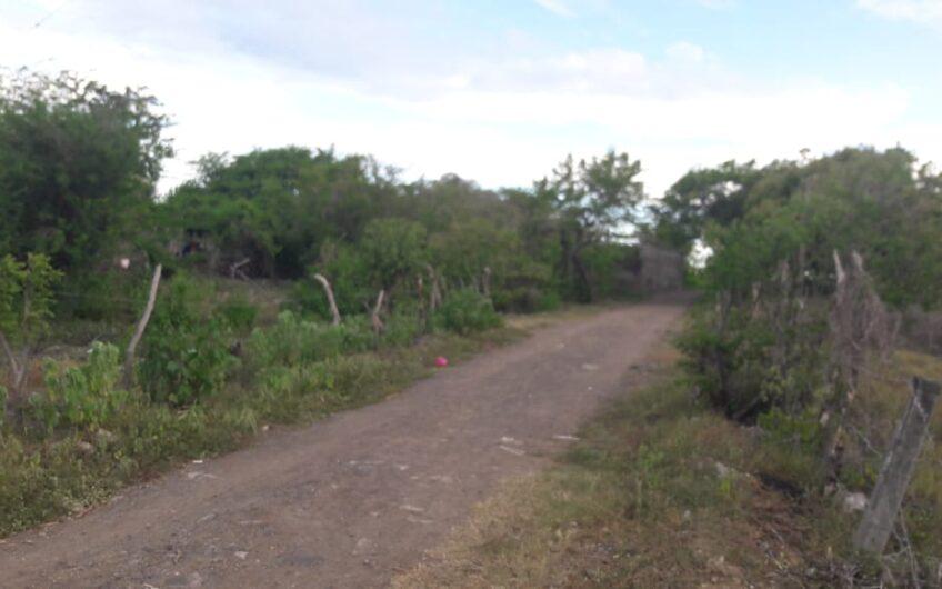 Se Vende Terreno en centro turístico Pochimil, incluye una casa